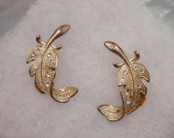 Vitage Light Gold Toned Clip Earrings w/Clear RS's T-2