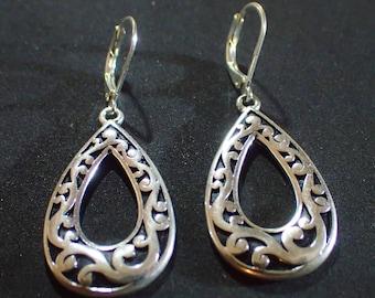 Silver tone Dangle Pierced Earrings T-21