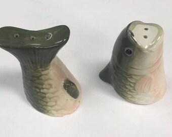 Large Mouth Bass Salt and pepper shaker set