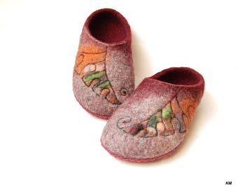 Wool Felted Slippers Leaves Art Burgundy Womens Clogs - to order