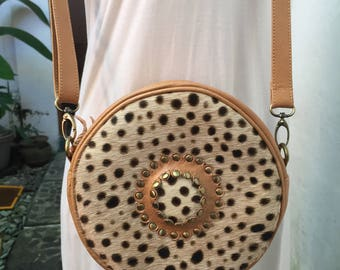Handmade Moon LeatherRound bag; Bali bags; Crossbody; Vintage look; Boho bag; Hippie Bags; Made from Bali, Indonesia