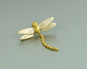 1984 Vintage Avon Dragon Fly Pin - White.  Dragonfly Tac Pin. Insect Lapel Pin. Vintage Avon Pin. Vintage Avon Jewelry. White Dragonfly Pin