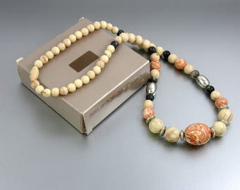 1988 Vintage AVON 'Desert Sands' Necklace w Original Box. 24-1/2 inches long. Marbelized Peach Tan Gray Avon Necklace. Vintage Avon Jewelry