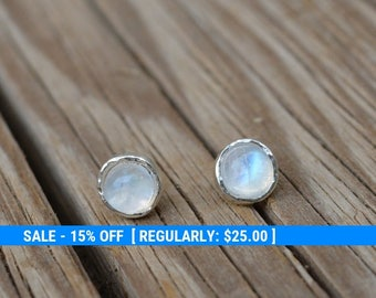moonstone earrings,moonstone stud earrings,sterling silver earrings,stud earring stone,moonstone studs,gemstone earrings,moonstone jewelry