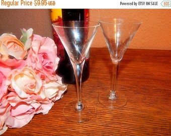 Toasting Glasses Set of Two Martini Cordial Sherry Glass Fluted Clear V Tasting Glasses Vintage Barware Home Bar Alcohol Serving Stemware