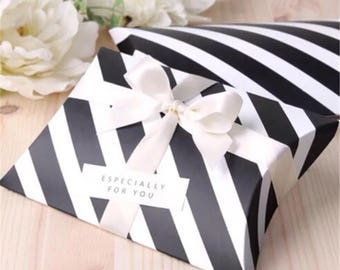 50x Black & White Pillow Paper Boxes with Ribbon | Bomboniere Favour Box | Wedding Baby Shower Party Candy Gift Box Christmas