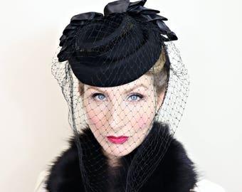 Vintage 1940s Hat / Topper / Tilt Hat / Black Felt / Sequins / Veil / Satin ribbons