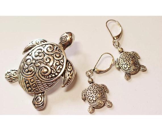 Vintage Funky Boho Celtic Swirly Embossed Designed Silvertone Dangle Turtle Earrings with matching Groovy Turtle Brooch