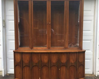 Kent Coffey Perspecta Sideboard With Display Hutch