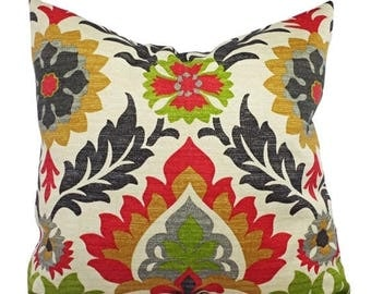 15% OFF SALE Two Outdoor Pillow Covers   Green Red And Cream Pillows   Patio