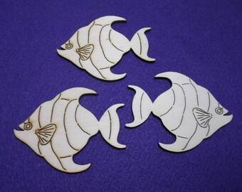 3 fish, wood, 8 x 6 cm (10-0033A)