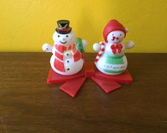 Vintage Snowmen Shaker Set