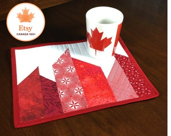 Quilted Mug Rug, Modern Red and White Mug Rug, Canadiana Quilted Snack Mat, Canada 150 Mug Rug, Mini Placemat, Luncheon Mat, Mini Quilt