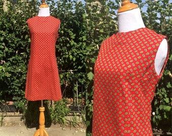 VACATION SALE Vintage 1960s Dress | 60s Cotton Paisley Print Shift Dress | Red | M L