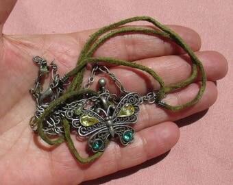 Retro Boho Butterfly Green Rope Acrylic Rhinestone Necklace TLC
