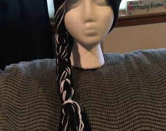 One side braid hat
