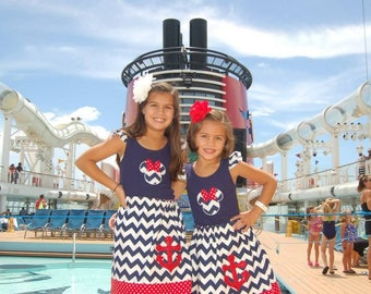 Disney Cruise Reversible Skirt with two tank tops or Tshirts   - Size 3M - Youth 12