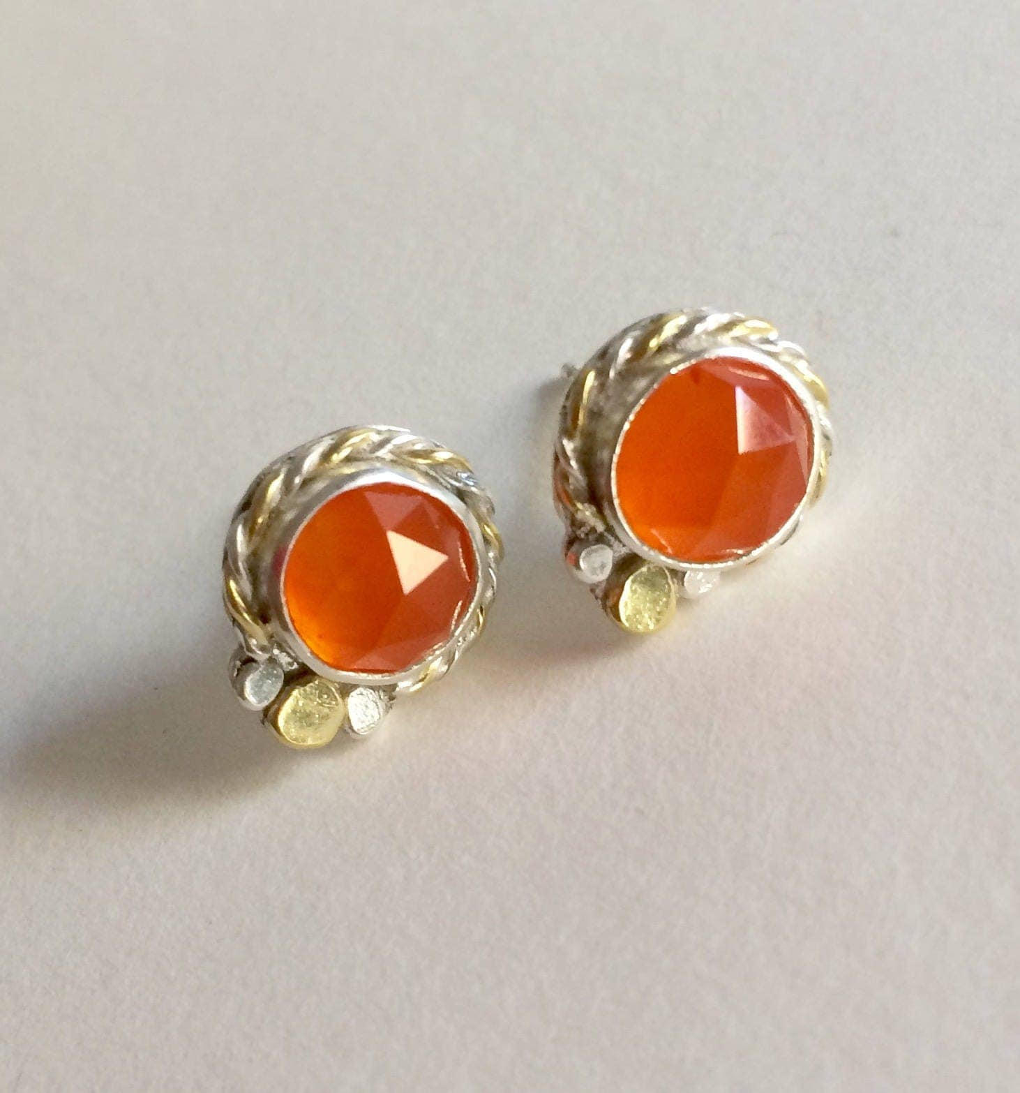 lenses mandorlas shop jewelry online kma earrings and carnelian gold brass