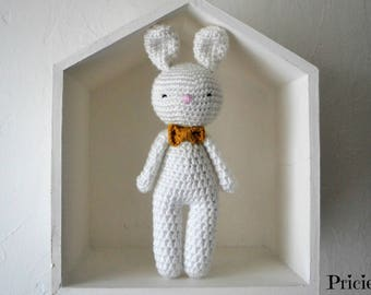 Amigurumi Doudou white rabbit with crochet