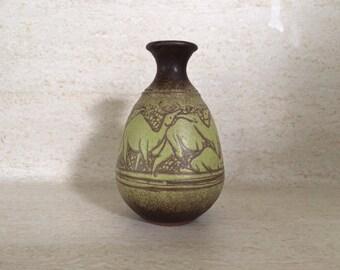 Studio Pottery Weedvase With Camel Sgraffito Design