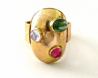 Ring from the seventies 14 carat, yellow gold, goldsmith work.
