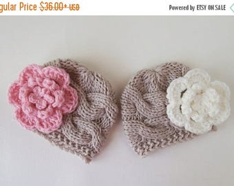 ON SALE 35% SALE Baby  Twins  Hats - Newborn Twins -Knitted Hats for Twins - Newborn Baby Photo Prop - Newborn Baby Twins