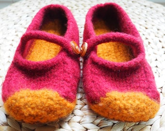 Ruby Jane's Felted Slippers with non-slip soles - Women's size 8-9