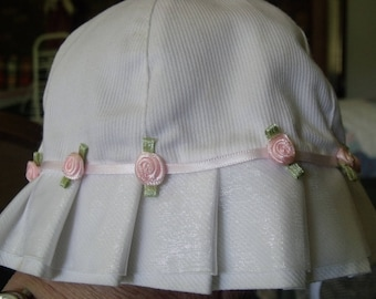 Baby girl summer white hat with pink roses s-13, 6-9mos.