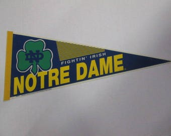 Vintage Notre Dame Fightin' Irish NCAA college pennant