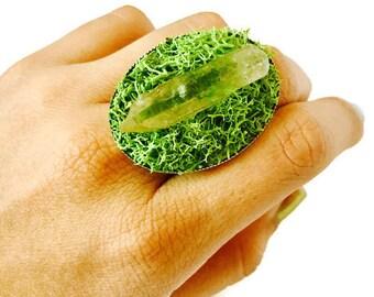 Quartz Crystal Fairy Ring - Moss Grass Crystal Terrarium Garden Ring