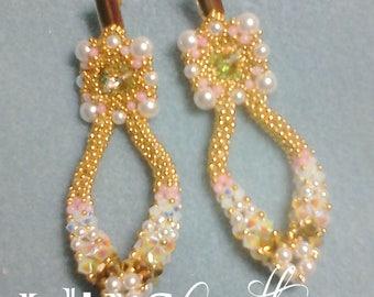 Dangling flower earrings