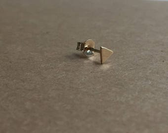 Chip triangle earring gold plated