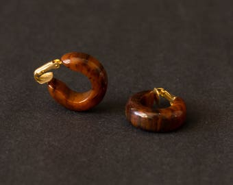 vintage bakelite hoop earrings