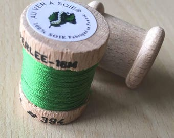 "Reel 394 deep ""au ver à soie"" chartreuse green silk"