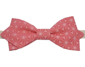 Bow pink, white pattern with sharp edges