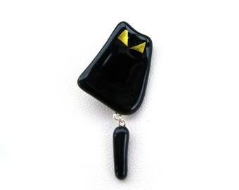 Cat shaped black brooch
