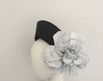 Fascinator, crown, halo, halo fascinator, fashions on the field, millinery, derby day, black and white fascinator