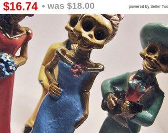 Summer SALE Día de los Muertos Miniature - Boho Mexican Altar -  Sugar Skull Ceramic Skeleton Dolls - Day Of the Dead Decor - Original Ar...