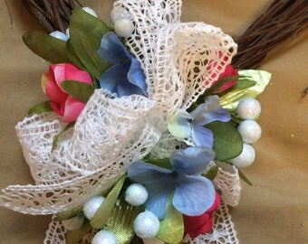 CREATE YOUR OWN - Single (1 ea)  Grapevine Heart with blue berries, tiny blue flowres, hot pink flowers and lace