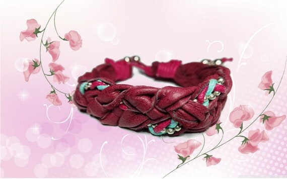 Hand plaited bracelet for woman from dark red recycled leather with beads in Western country style