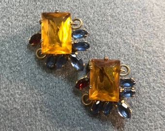 Two Tiny Retro Rhinestone Brooches-Czechoslovakia. Free shipping.