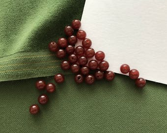 35pcs garnet colored round beads 6mm Red