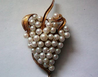 Grape Cluster Pin with faux Pearls & Rhinestones - 5482