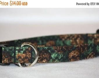 ON SALE Dog Collar, Pet Collar, Adjustable Collar, Cotton Dog Collar, Fabric Dog Collar, Soft Dog Collar, Pine Cones Cotton, Medium Dog Coll