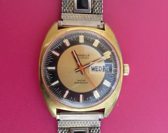 """Vintage 1970's Caravelle """"Set-o-Matic"""" by Bulova Mens Wrist Watch Wind-Up"""