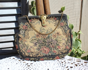 Vintage! Floral/tapestry/black/pink/beige/floral fabric/small gold chain strap/handbag/clutch. Beautiful floral bag! Gorgeous!