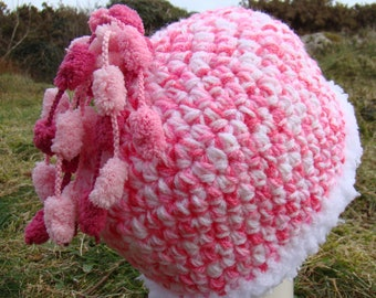 Pink & White Bobbles Hat - 2 to 3 year old