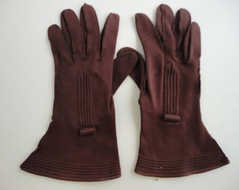 Vintage brown gloves, gauntlet costume gloves, size medium large, fancy, costume gloves, chocolate brown, pleated details, wide long gloves