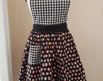 Adults Cupcake / Gingham Apron