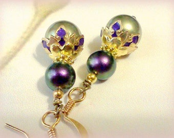Pearl Earrings, Swarovski Pearls, Purple and Green, Hand Painted Earrings, Autumn Colored Pearls, Fall Fashion Earrings, Vintage Style, Boho